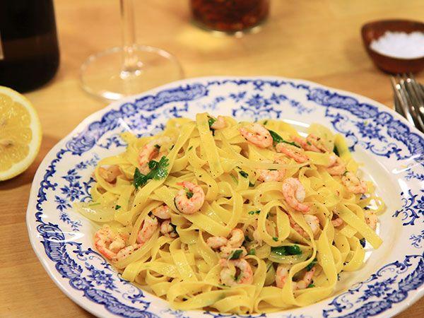 Snabb pasta med räkor och citron   Recept.nu