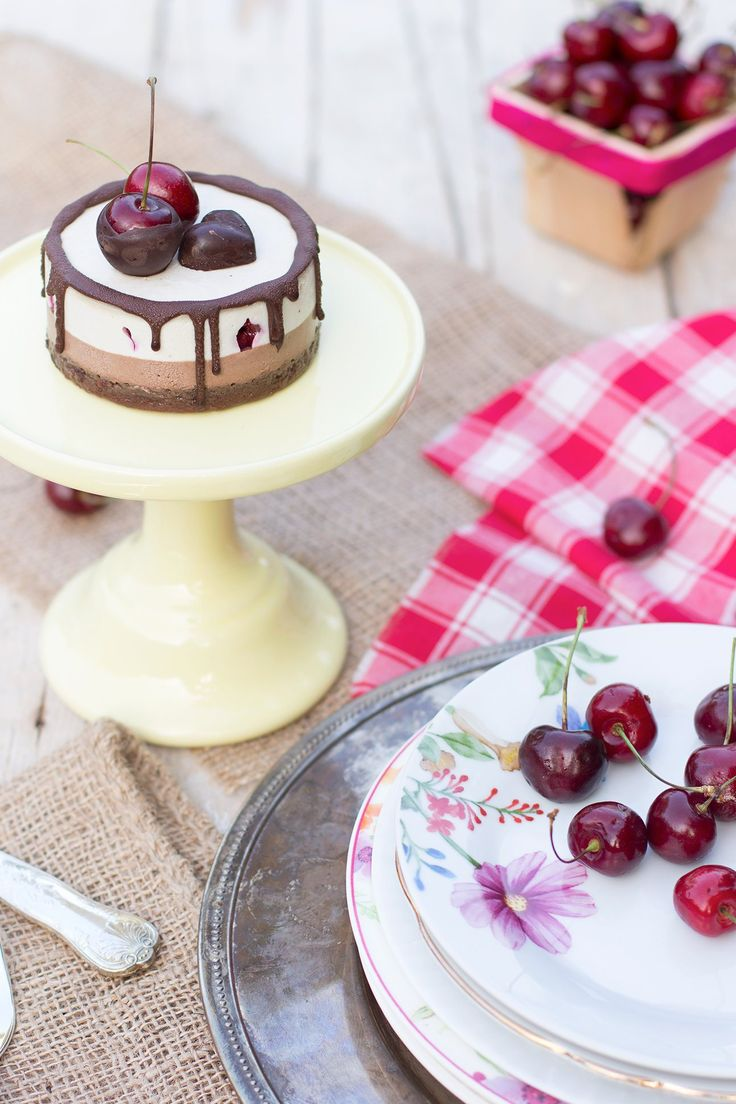 CREAMY & DELICIOUS Vegan Glutenfree Raw CHOCOLATE CHERRIES CHEESECAKE // Cheesecake CIOCCOLATO & CILIEGIE #vegan #senzaglutine #blackforest