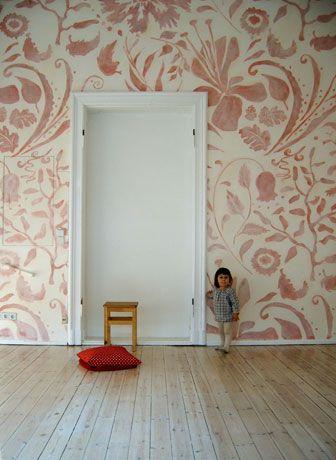 Large Soft Ornamental Mural | Atelier Wandlungen