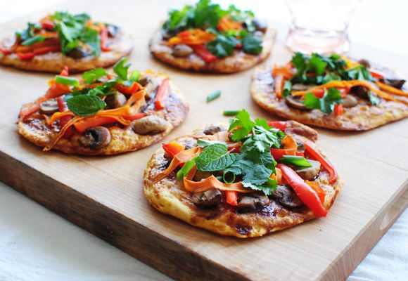 {veggie asian biscuit pizzas} SO quick, easy + endlessly customizable.