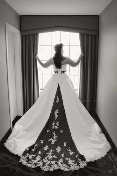 Wedding Planning: Shopping for A Plus Size Wedding Dress - Tips, Tricks and An Awesome Story!