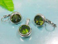 SE3057ZOC - Set z chirurgickej ocele oceľový set - náušnice a prívesok so zelenými zirkónmi #superpserky #krasnesperky
