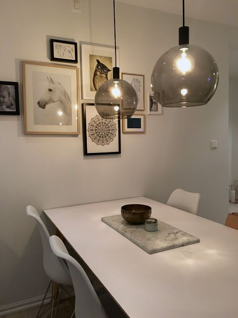 Our diningspace with the gallerywall and new pendant lamps. #jakobsbyn