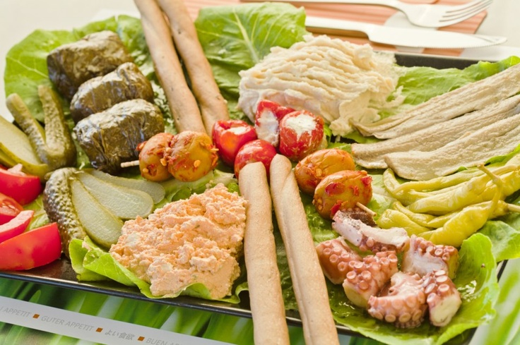 We celebrate Carnival and Lent Monday, the traditional Greek festivities, with a special offer (details: http://www.centralhotel.gr/info.php?catid=5)!