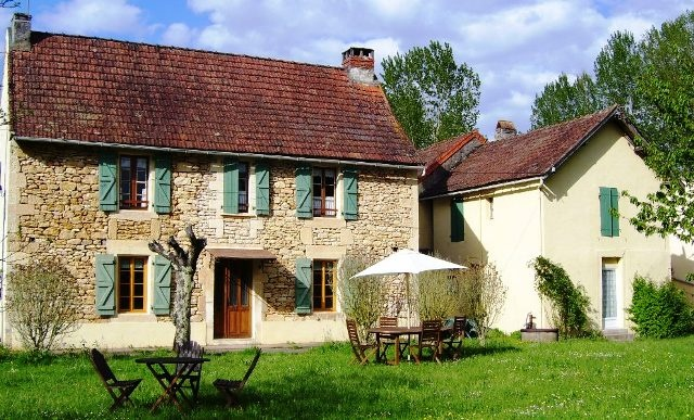 How do french farmhouses evoke so much charm and romance for French country farmhouse