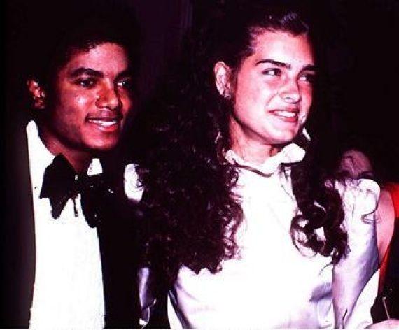 「マイケルは星の王子さまのような人」。追悼式で人々を感動させた、元恋人ブルック・シールズのスピーチ。