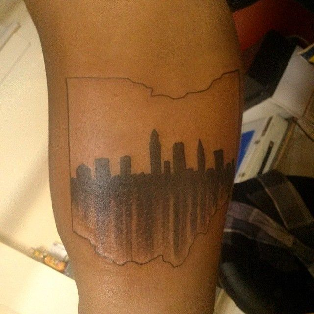 glare for days.... #clevelandskyline inside an #ohio outline..pretty cool. #benchamberstattoos #fatetattoo #tattoosofig #tattoo #tattoos #ohiotattoo #ohiotattoos #skylinetattoo #clevelandtattoo #ohiostate #buckeyes #osu #osucampus #innerarmtattoo