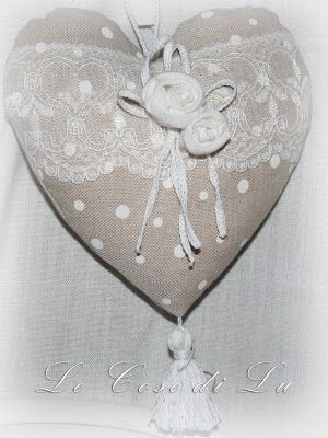 sweeeet heart with lace and roses - by Le cose di Lu