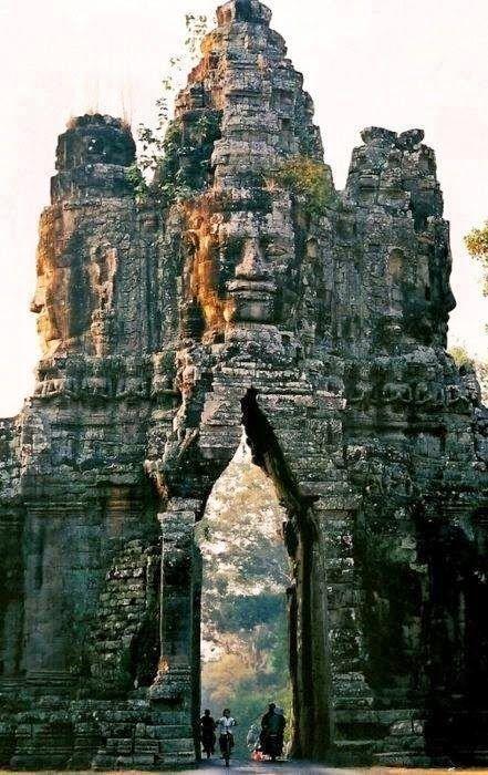 Angkor est l'ancienne capitale de l'Empire khmer
