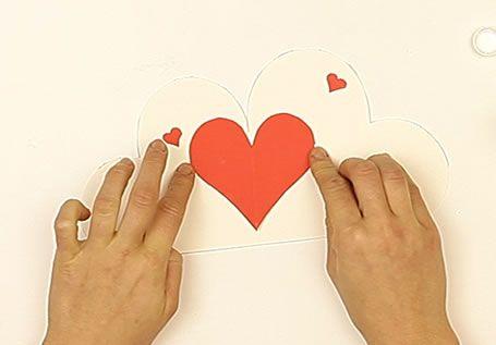 Fabriquer une carte avec un coeur
