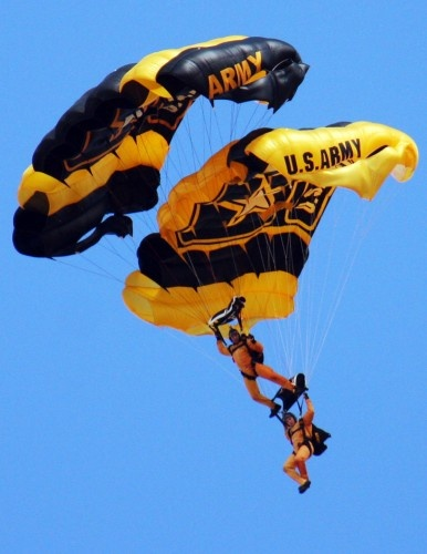 army golden knights lost both legs