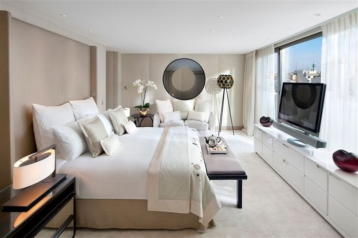 Mandarin Oriental Hotel in Paris..a bit small for the price, but still...sweet!