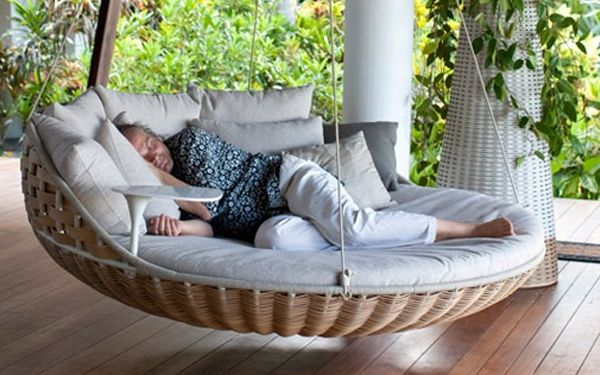 IN LOVE: Idea, Hanging Beds, Outdoor Porches, Hammocks, Dreams House, Back Porches, Naps Time, Porches Swings, Swings Beds