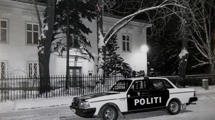 Volvo 240 police car