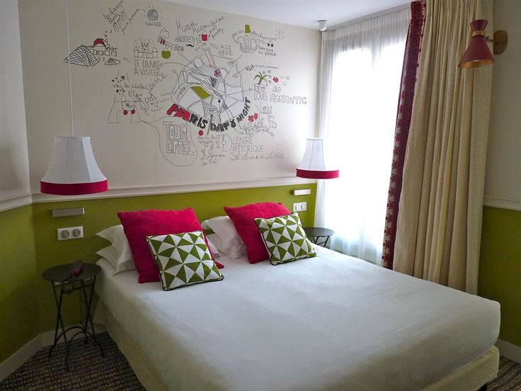 Hôtel Les 3 Poussins, Paris, Standard Double or Twin Room, Guestroom Set in the 9th arr., this quirky hotel is a 2-minute walk from Saint-Georges metro station, 1.2 km from Sacré-Cœur and 1.7 km from Gare du Nord. The colorful rooms feature whimsical wall sketches by a Parisian artist, and come with free WiFi and flat-screen TVs. Upgraded rooms offer private balconies, with various city views, including Sacré-Cœur.