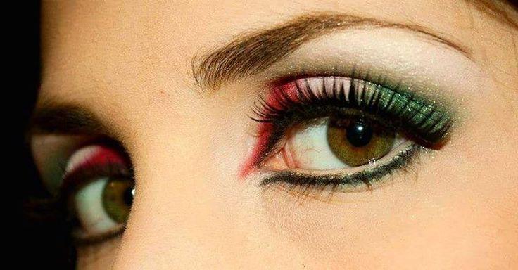 """""""Mi piace"""": 29, commenti: 1 - Manuela Iannibelli (@manuelaiannibelli) su Instagram: """"Tornando ai ricordi.... questo è un trucco vecchio fatto da me per mondiali :) #makeupartist…"""""""