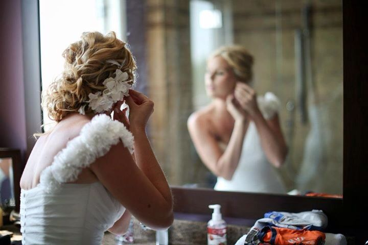 Bridal look by Cassidy at salon entrenous