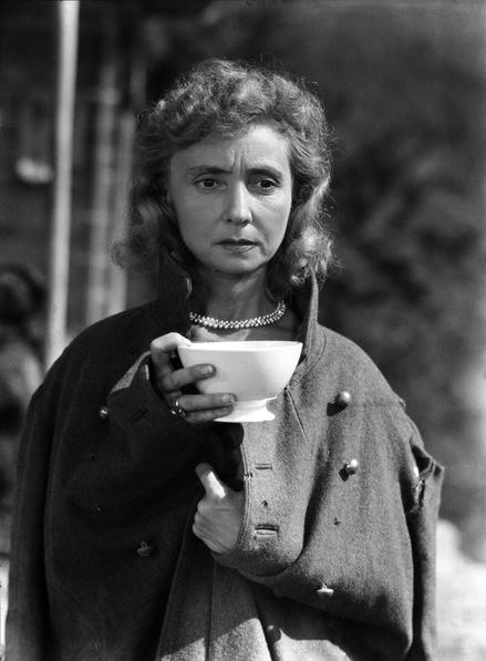 Emile Savitry. Madeleine Renaud dans « Lumière d'Été » de Jean Grémillon.1942