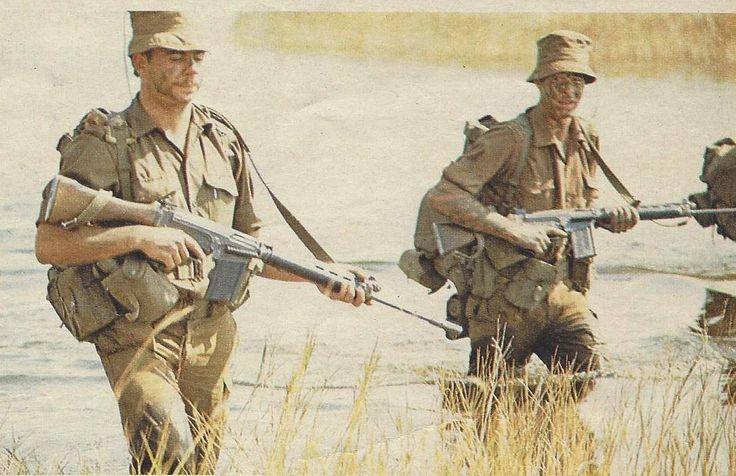 titovka-and-bergmutzen:  SADF troops with their R1 rifles on patrol, mid-1970s.