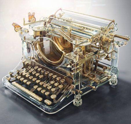 Печатная машинка времени  от Александра Кускова  http://www.rdh.ru/site/dizayn/3635--pechatnaya_mashinka_vne_vremeni_ot_aleksandra_kooskova/