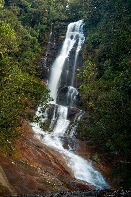 Parque Estadual do Marumbi - Paraná. Rio dos Macacos, Salto dos Macacos (70 mts). Calango Expedições   Salto dos Macacos