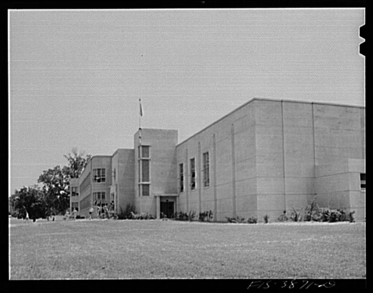 Sheffield, Alabama (Tennessee Valley Authority (TVA)). High school | Library of Congress