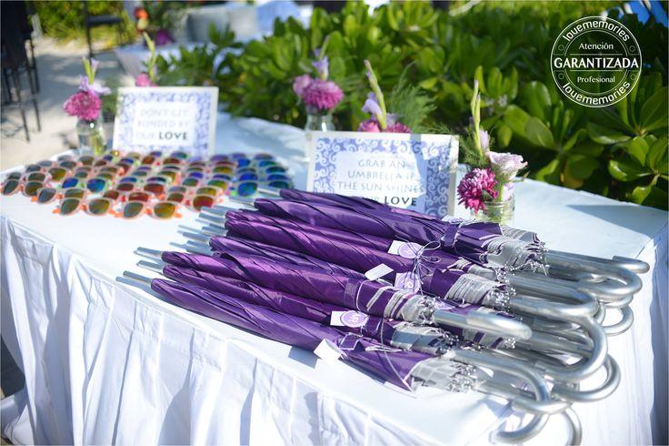 Dale a tus invitados la comodidad u un toque de elegancia  #Umbrella #sunglasses #sun #summer