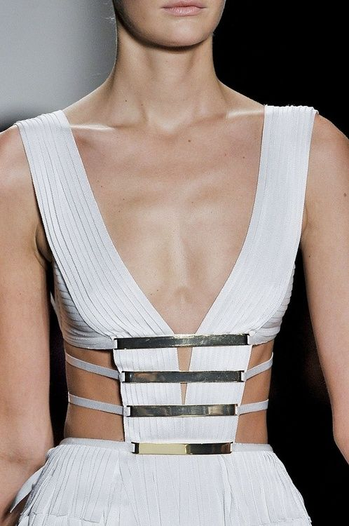 luaqua:  tell-me-all-about-fashion:  Hervé Léger by Max Azria  ★