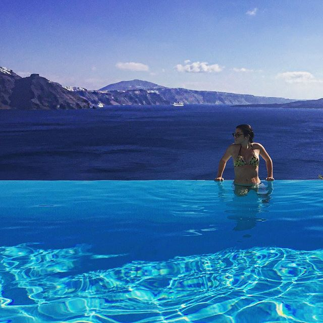 Feel the serenity of #AndronisExclusive... #Santorini #Oia Photo credits: @chloezambelli