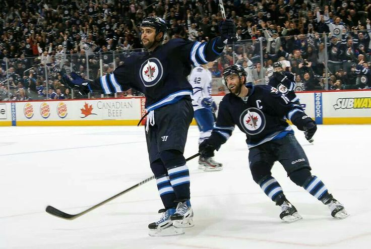 Dustin Byfuglien. Andrew Ladd. *Haha love this