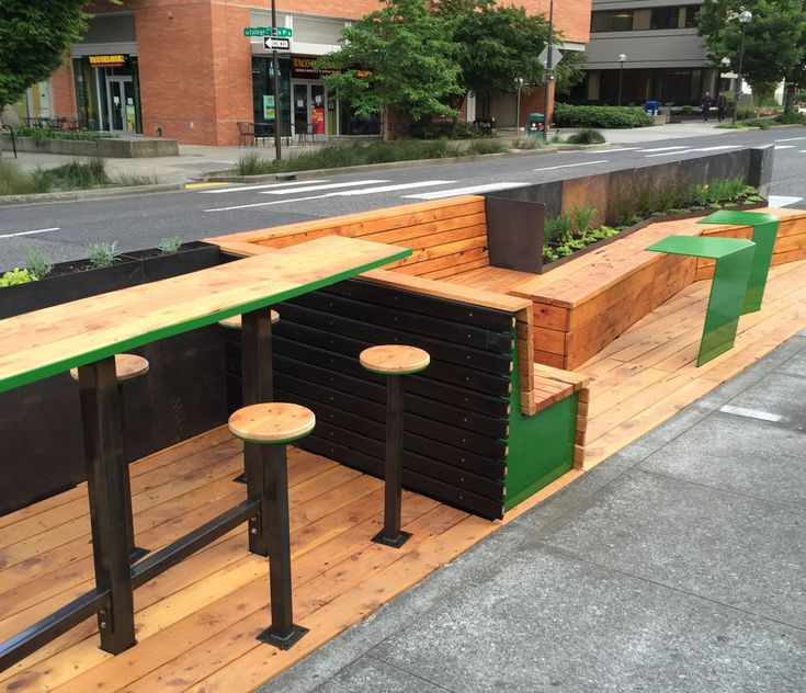 A/N Blog . Tactical Urbanism takes time: Architecture students build downtown Portland's first parklet despite regulatory permitting hurdles
