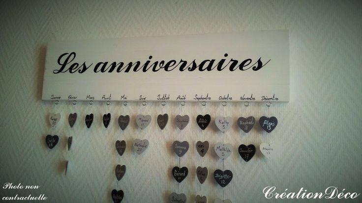 Cadre déco anniversaire bois avec coeurs : Décorations murales par creationdeco