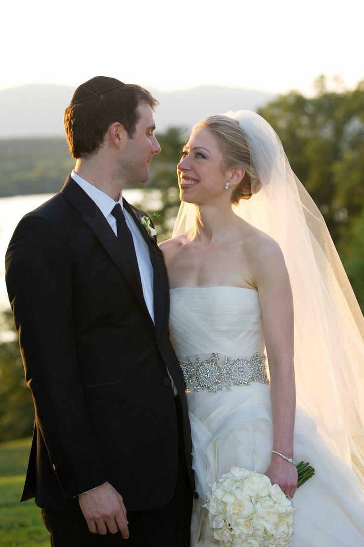 Chelsea Clinton wedding in Vera Wang