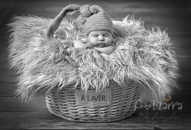 Estudio fotográfico de recién nacido de estilo rústico