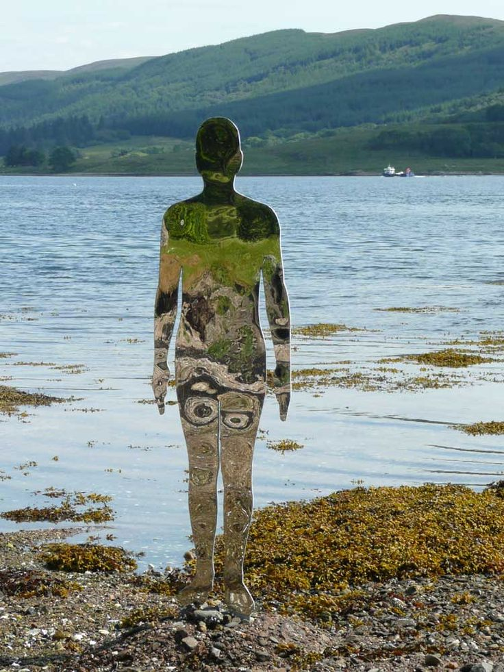 Scottish sculptor Rob Mulholland's mirrored art.