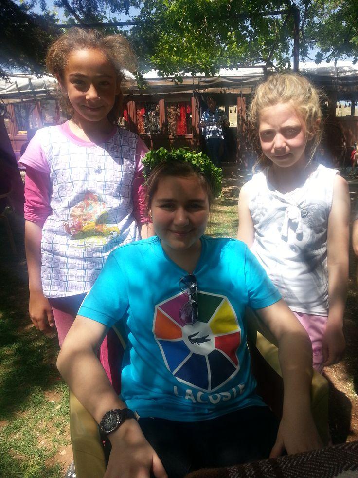 Mardin kızları ve İzgi