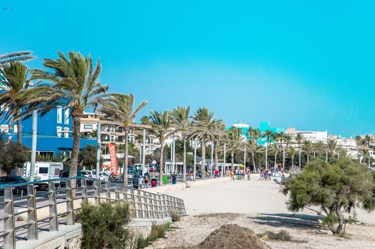 Ciudad Jardín, Palma de Mallorca: Buy a hotel with great location by the sea in Ciudad Jardin/ Portixol