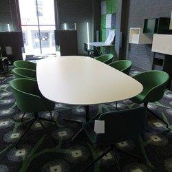 Eolo vergadertafel #actie #korting #showroom #burovorm #arper www.burovorm.be