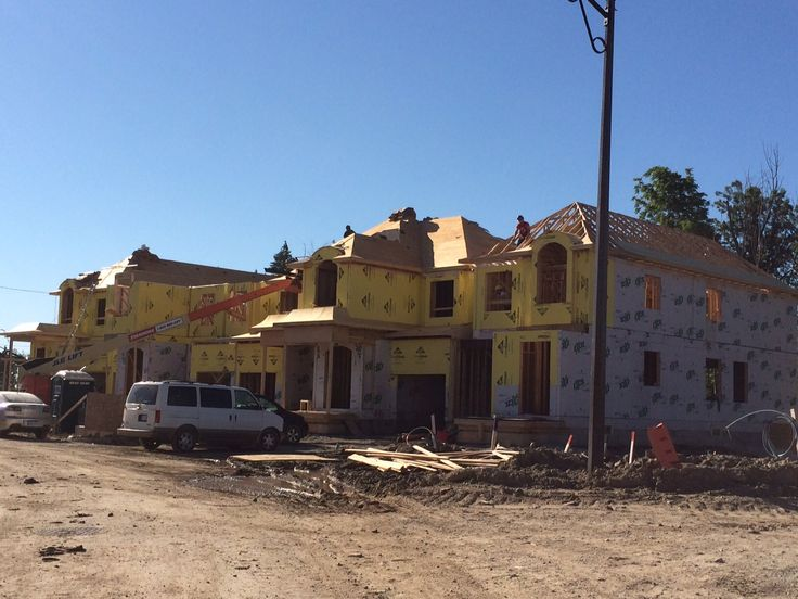 Semi-link homes under construction in Georgetown.