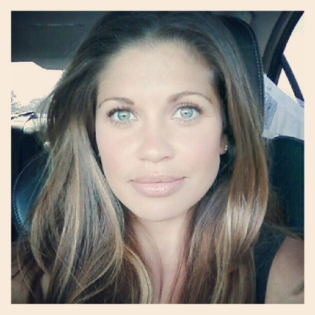 danielle fishel omg be still my beating teenage hormones.