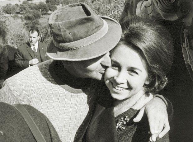 1961: se anuncia el compromiso oficial de casamiento de Juan Carlos de Borbón y Sofía de Grecia