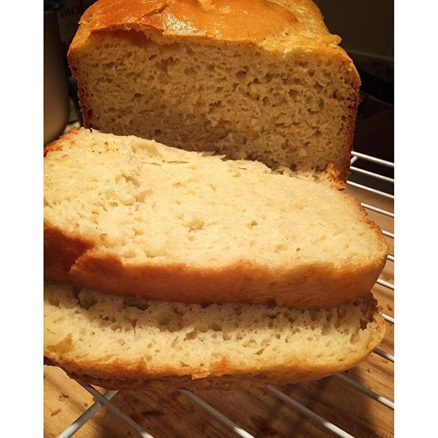 #wedeservebetter than #glutenfree bread with holes! #makeyourown ( pictured…