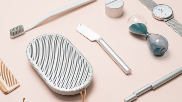Morrama has created an aluminium straight razoraimed at millennials, in hopes of reducing waste plastic produced bydisposable counterparts.