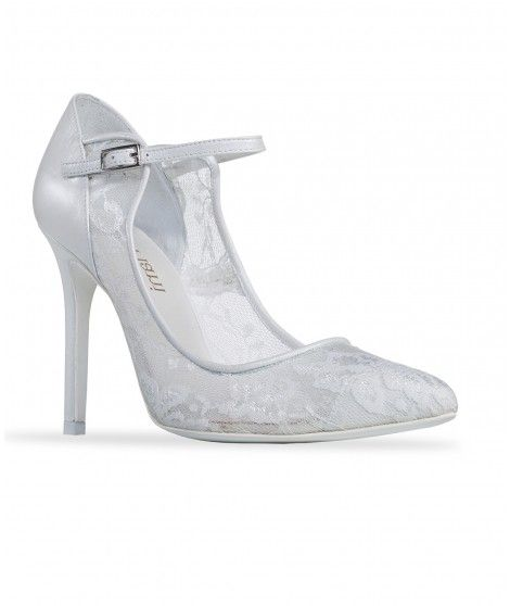 Zapato de novia en piel y encaje con pulsera al tobillo y puntera en pico.