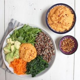 Roasted red pepper and paprika hummus, literally the most delicious thing in the world. So easy and so healthy too. Gluten/dairy free, vegan
