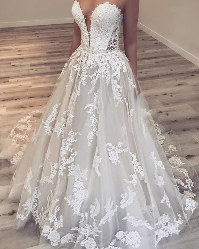 Sweetheart Ivory Appliques Long Wedding Dress