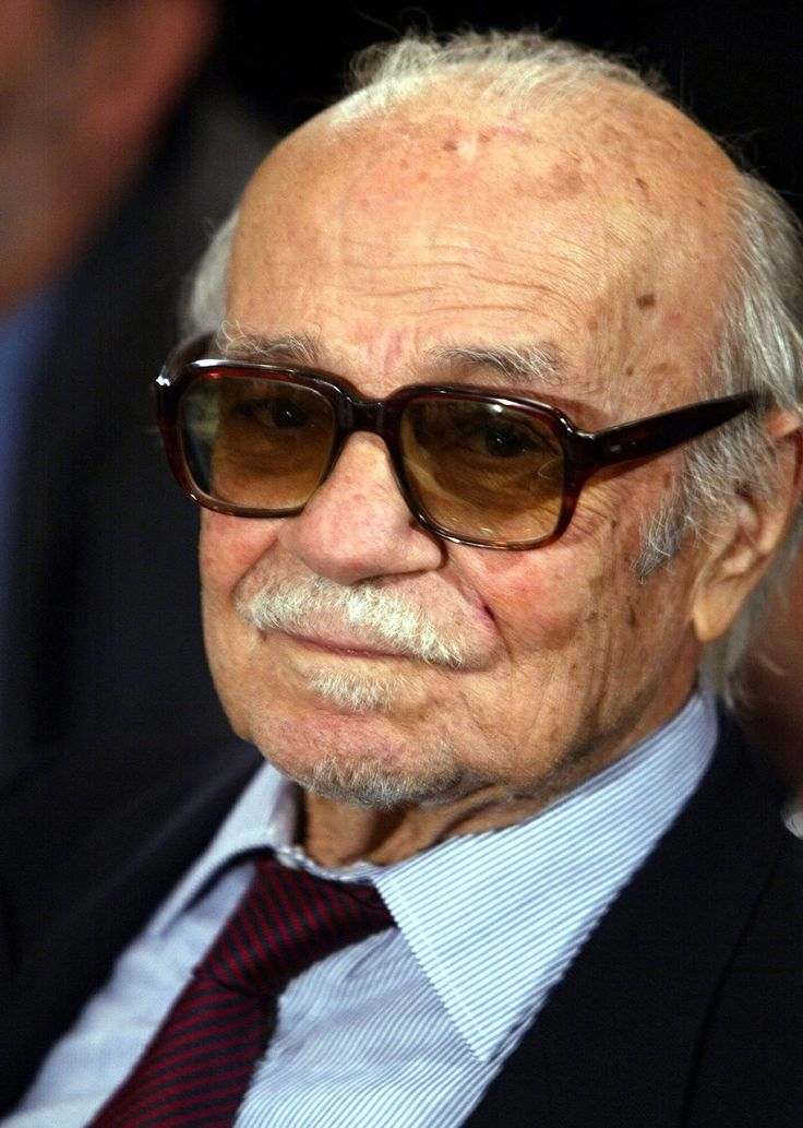 Ernesto Sabato - Escritor (Rojas, 1911 - Santos Lugares, 2011) Escritor, ensayista, físico y pintor argentino.
