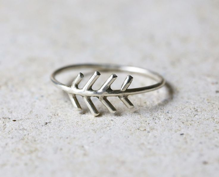 Silver arrow ring, fir tree ring, Sterling silver fir tree jewelry, stackable ring, Boho arrow ring, chevron ring, nature ring, skinny ring by MetalAndGrete on Etsy