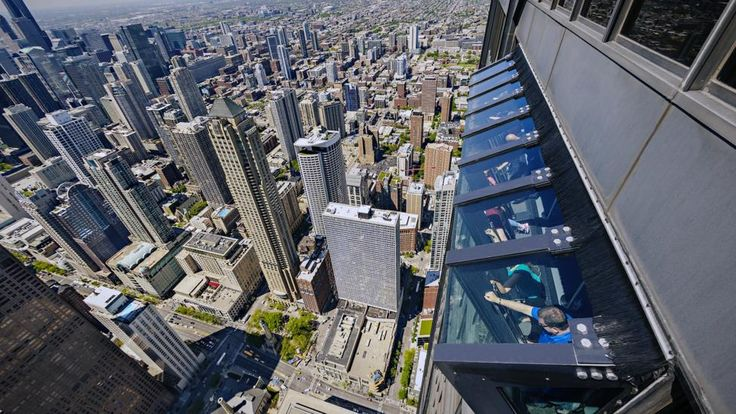 360 Chicago- structural expressionism