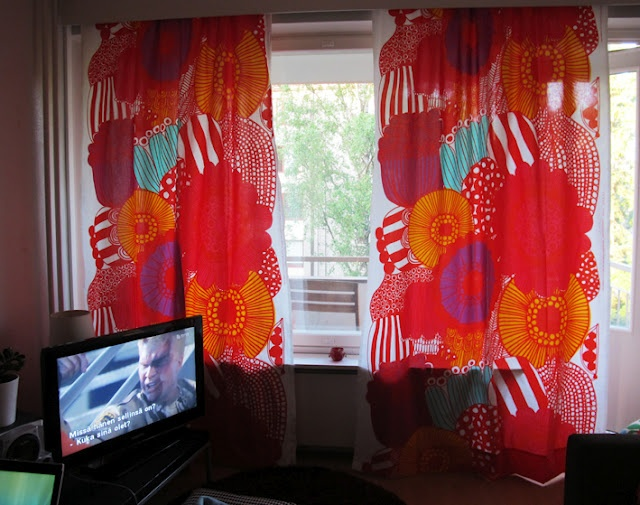Marimekko Siirtolapuutarha curtains in young Finnish woman's home. #marimekko #finnish #home